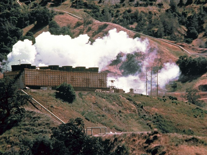 A geothermal power plant taps the geothermal resources of the area and provides steam of thermal energy that can be used to produce electricity similar to conventional oil of steam-electric plants. Soure: defenseimagery.mil