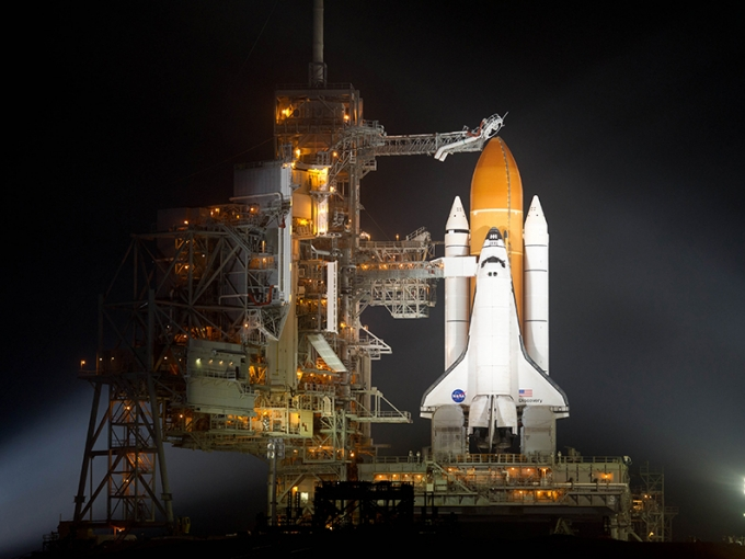 Space Shuttle Discovery by NASA/Bill Ingalls