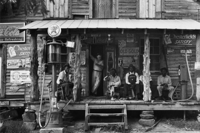 Dorothea Lange, Crossroads General Store, circa 1938. © The Dorothea Lange Collection, the Oakland Museum of California, City of Oakland. Gift of Paul S. Taylor.