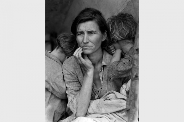 Dorothea Lange, Migrant Mother, Nipomo, 1936. The Dorothea Lange Collection, the Oakland Museum of California, City of Oakland. Gift of Paul S. Taylor.