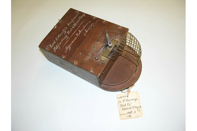 Mouse trap from 1871 made of wood and metal